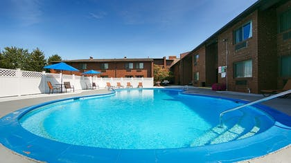 Pool | Best Western Shelbyville Lodge