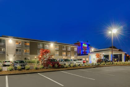 Exterior | Holiday Inn Express Newberg - Wine Country