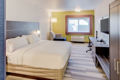 Room | Holiday Inn Express Newberg - Wine Country