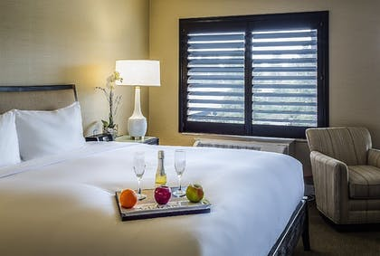 | Executive Suite, 1 King Bed | Cupertino Hotel
