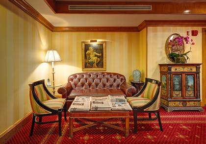 Lobby Lounge | Hotel Elysee by Library Hotel Collection