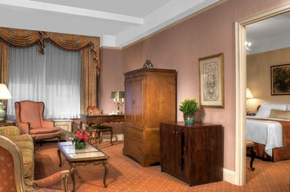 Guestroom | Hotel Elysee by Library Hotel Collection
