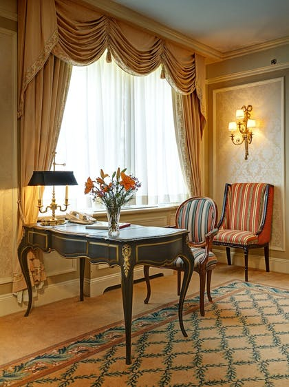 Living Room | Hotel Elysee by Library Hotel Collection