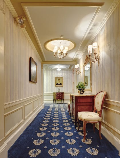 Hallway | Hotel Elysee by Library Hotel Collection