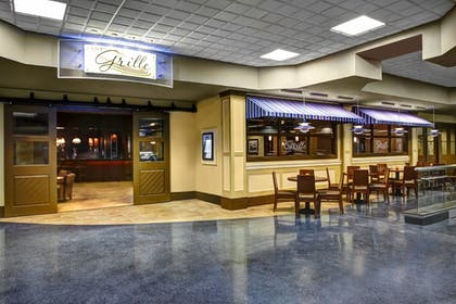 Restaurant | Four Points by Sheraton Huntsville Airport