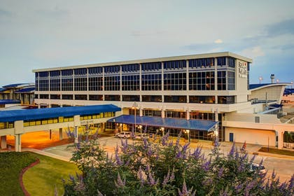 Exterior | Four Points by Sheraton Huntsville Airport