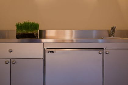 In-Room Kitchenette | Hotel Lombardy