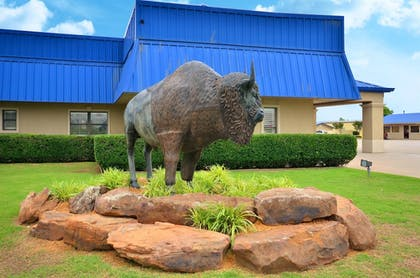 Hotel Front | Best Western Inn Of McAlester