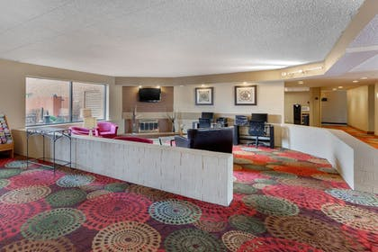 Lobby | Holiday Inn Express Chicago-Downers Grove