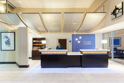 Lobby | Holiday Inn Express Hotel and Suites Laurel