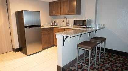 Private Kitchenette | Best Western Plus Capitol Ridge