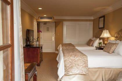 Guestroom | Best Western Plus Sunset Plaza Hotel