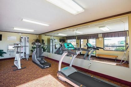 Fitness Facility   Quality Inn And Suites Civic