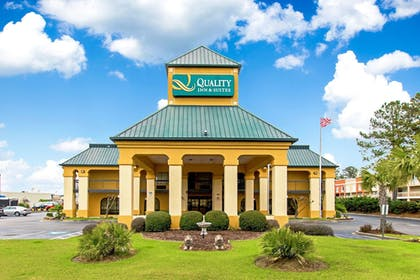 Featured Image   Quality Inn And Suites Civic