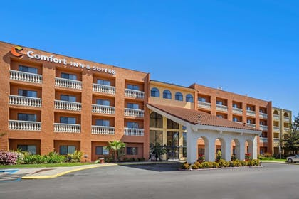 Featured Image | Comfort Inn and Suites Newark