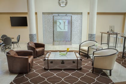Lobby Sitting Area | Regency Hotel Miami
