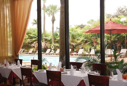 Restaurant | Regency Hotel Miami