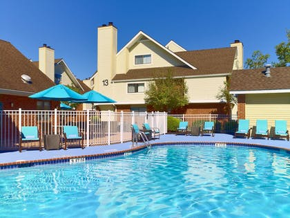 Outdoor Pool | Sonesta ES Suites South Brunswick - Princeton