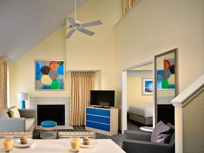 Living Area | Sonesta ES Suites South Brunswick - Princeton