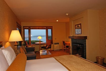Guestroom | The Inn at the Tides