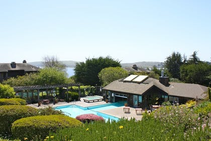 Outdoor Pool | The Inn at the Tides