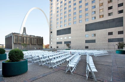 Outdoor Wedding Area | City Place St. Louis - Downtown Hotel
