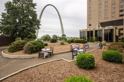Property Grounds | City Place St. Louis - Downtown Hotel
