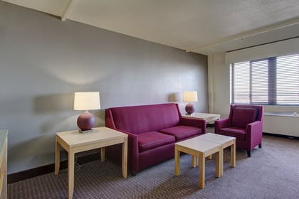 Living Area | Inlet Tower Hotel And Suites