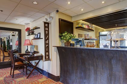 Lobby Lounge | Inlet Tower Hotel And Suites