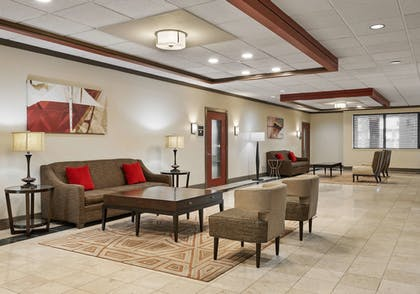 Lobby | Best Western Plus Milwaukee Airport Hotel & Conference Ctr