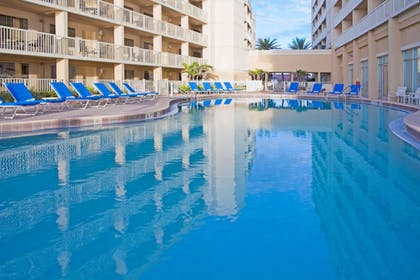 Pool | Crowne Plaza Hotel Melbourne - Oceanfront