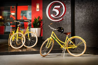 Bicycling | Staypineapple, Hotel FIVE, Downtown Seattle