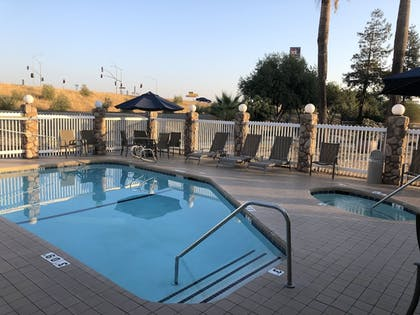 Outdoor Spa Tub | Holiday Inn Express Hotel & Suites Corning