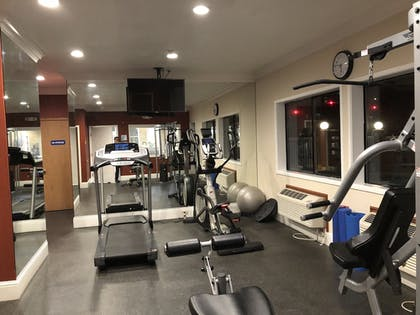 Sports Facility | Holiday Inn Express Hotel & Suites Corning