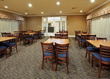 Breakfast Area | Holiday Inn Express Hotel & Suites Corning