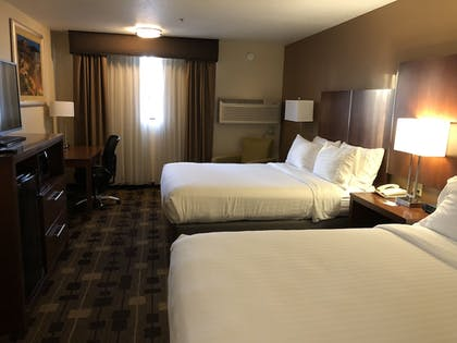 Guestroom | Holiday Inn Express Hotel & Suites Corning