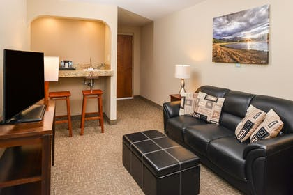 Living Area | Best Western University Inn