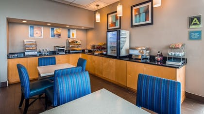 Restaurant | Best Western Hartford Hotel & Suites