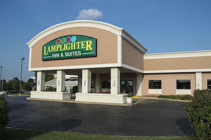 Featured Image | Lamplighter Inn & Suites - North