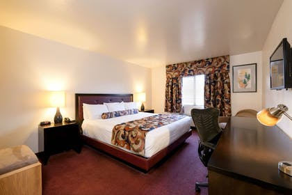 Guestroom | Grand Canyon Plaza Hotel