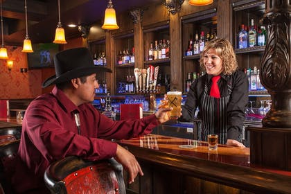 Sports Bar | Grand Canyon Plaza Hotel