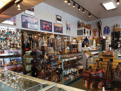 Gift Shop | Grand Canyon Plaza Hotel