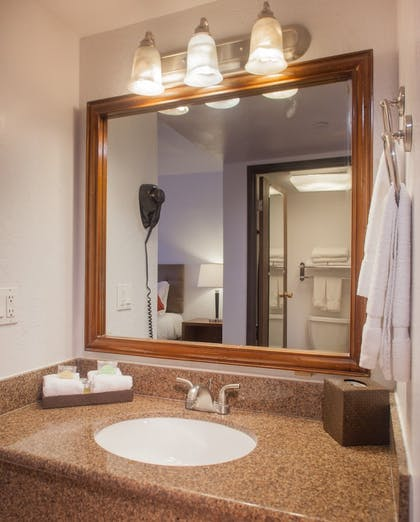 Bathroom Sink | Grand Canyon Plaza Hotel