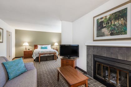 | 1 Queen Bed, Suite, Non-Smoking | Hawthorn Suites by Wyndham Fishkill/Poughkeepsie Area