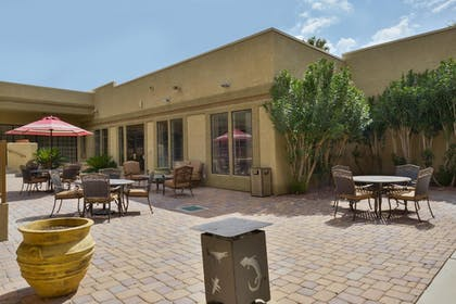 Hotel Front | Best Western Tucson Int'l Airport Hotel & Suites