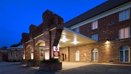 Hotel Front | Best Western Plus Governor's Inn