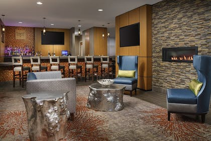 Restaurant | Holiday Inn Charlotte University Executive Park