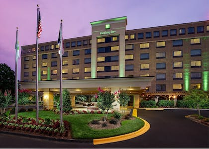 Featured Image | Holiday Inn Charlotte University Executive Park