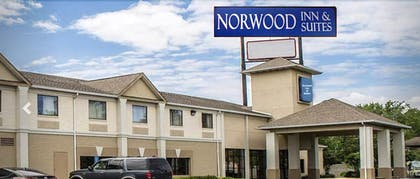 Exterior | Norwood Inn & Suites North Conference Center