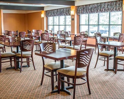 Breakfast buffet | Norwood Inn & Suites North Conference Center